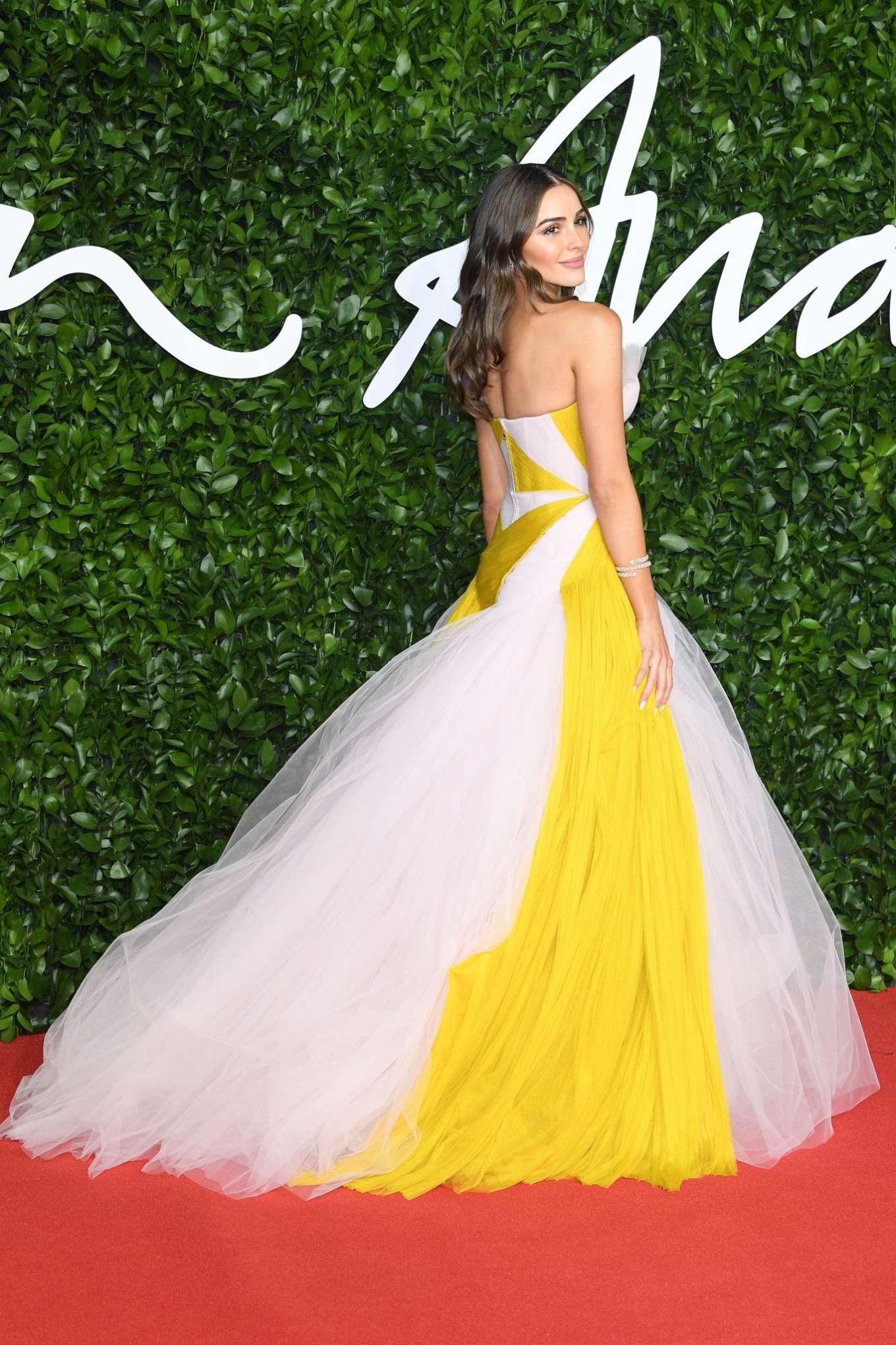Olivia Culpo 2019 : Olivia Culpo – Fashion Awards 2019 in London-03