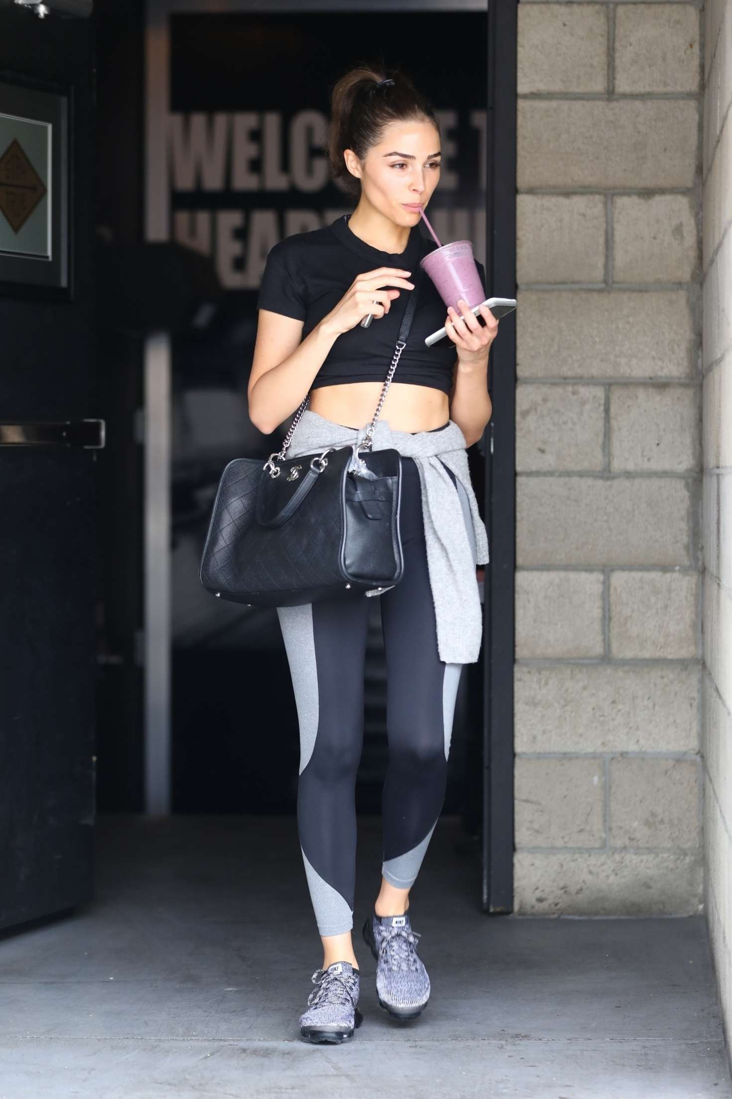Olivia Culpo 2018 : Olivia Culpo in Tights: Leaves the gym -01
