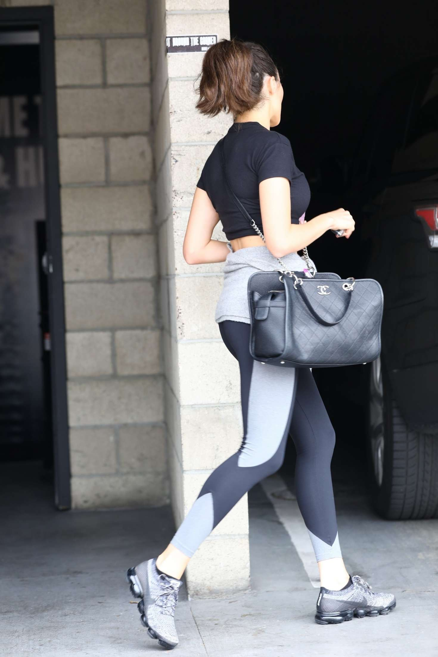 Olivia Culpo 2018 : Olivia Culpo in Tights: Leaves the gym -05