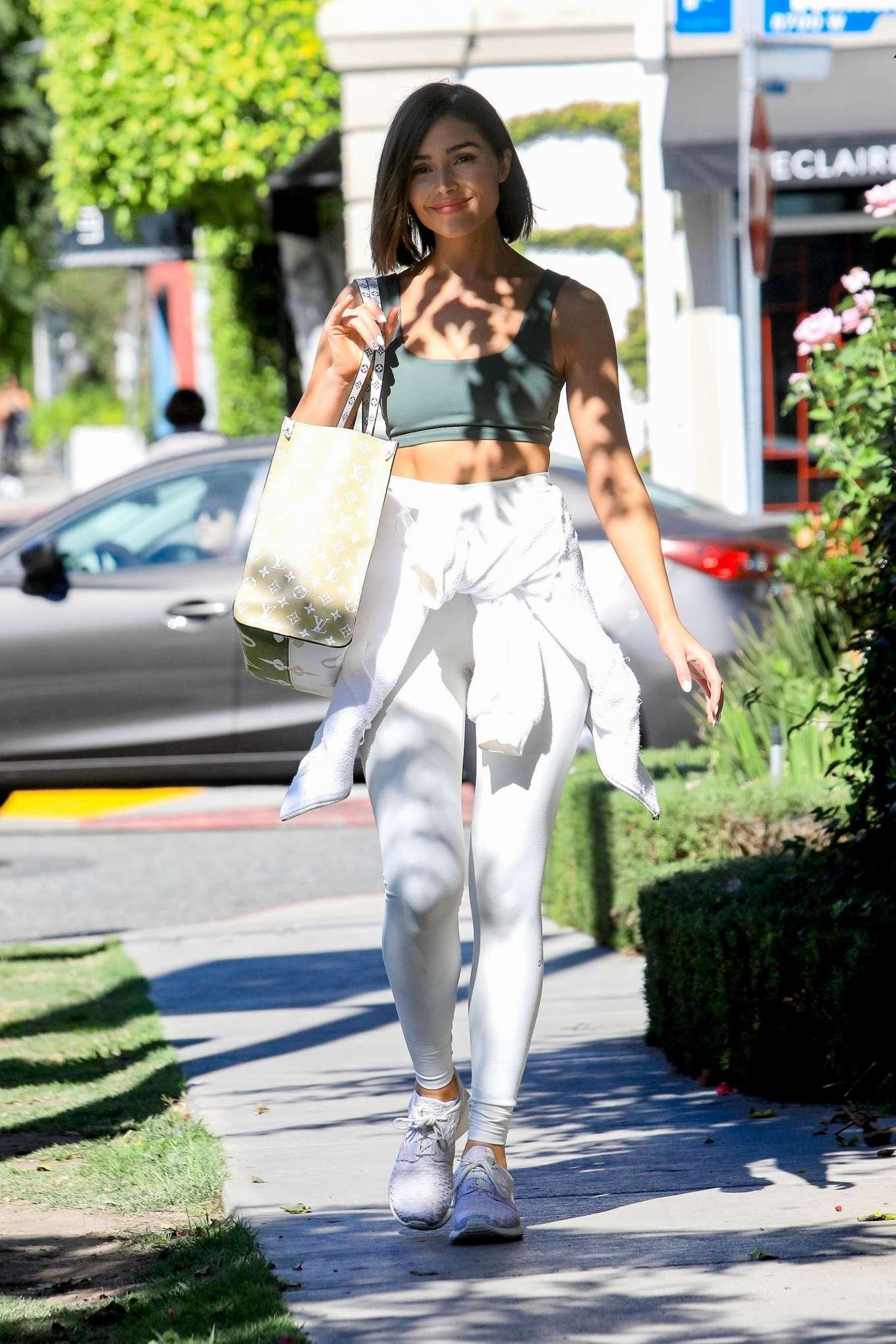 Olivia Culpo 2019 : Olivia Culpo – Leaving a hair salon in West Hollywood-14