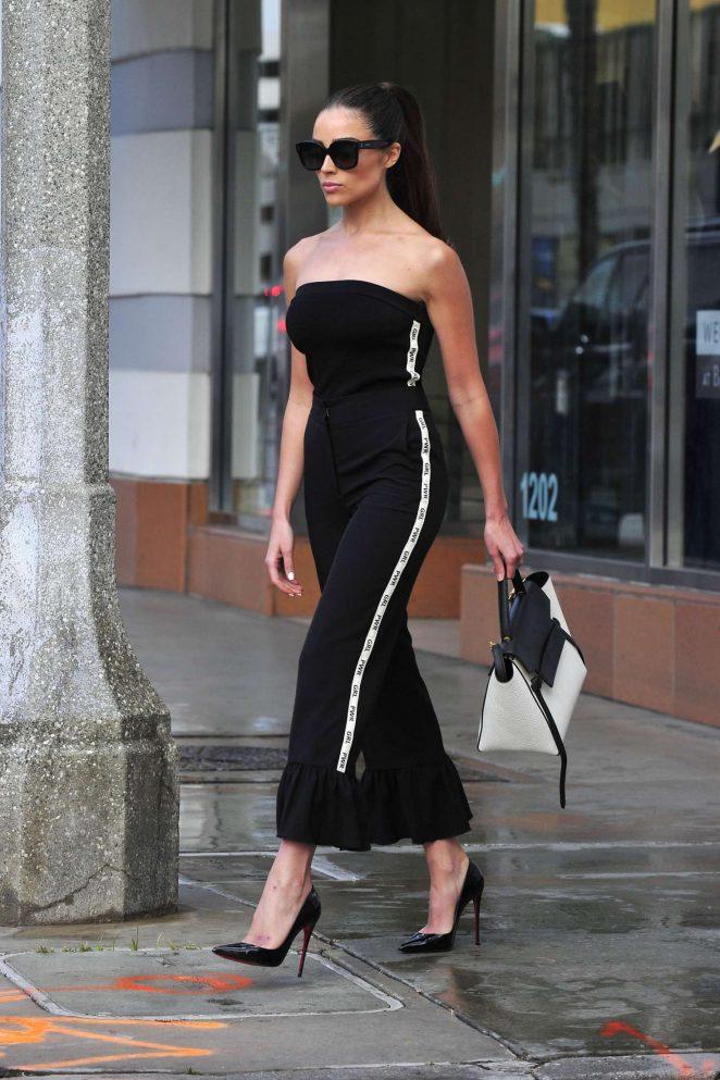 Olivia Culpo on her way to dinner in Santa Monica -11