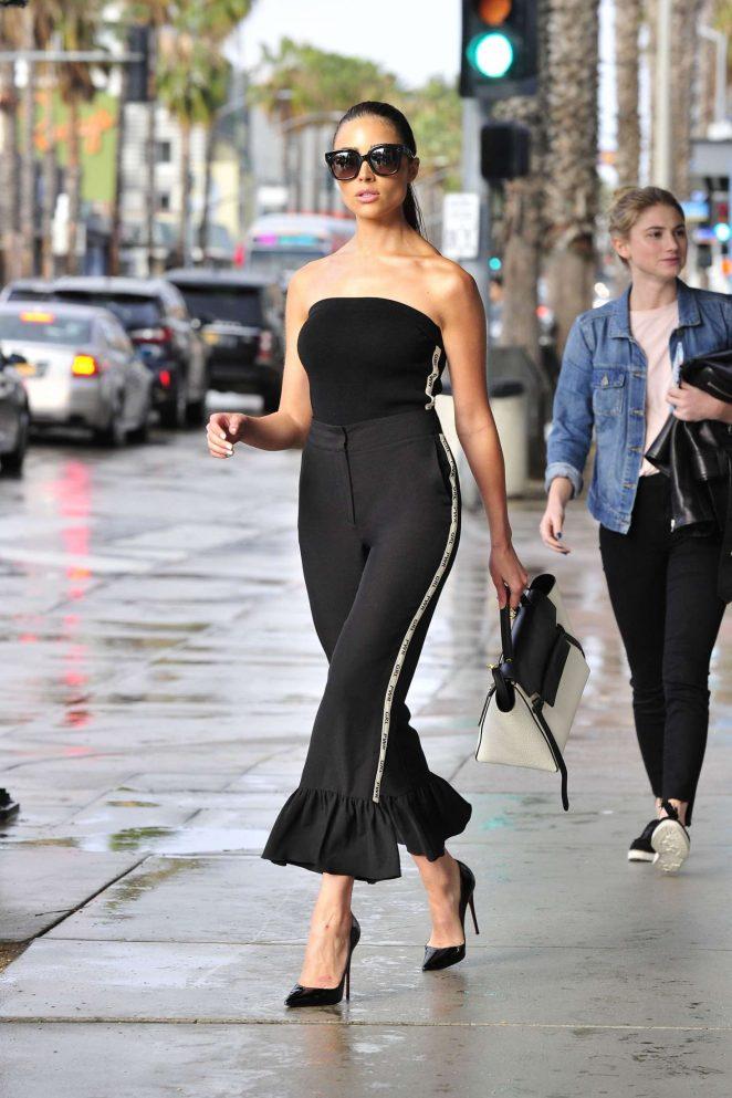Olivia Culpo on her way to dinner in Santa Monica -13