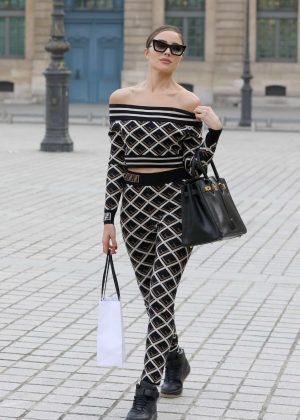 Olivia Culpo - Out in Paris