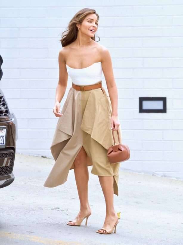 Olivia Culpo - Seen after business meeting in Beverly Hills