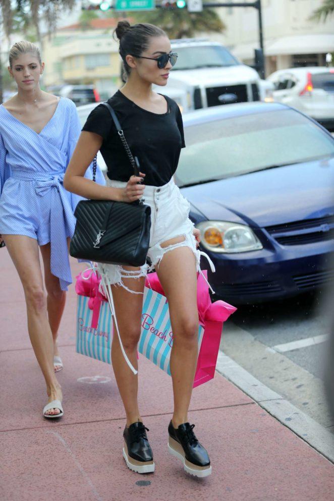Olivia Culpo Shopping at Beach Bunny Swimwear -13