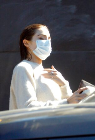 Olivia Culpo - Spotted leaving a hair salon in West Hollywood