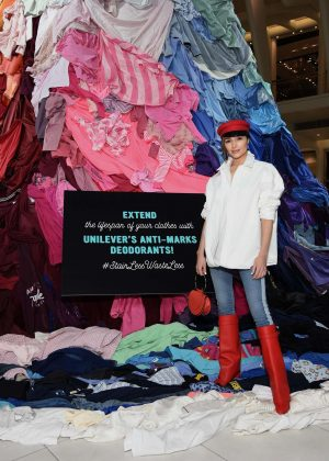 Olivia Culpo - Unilever's Stain-Less Waste-Less installation in NYC