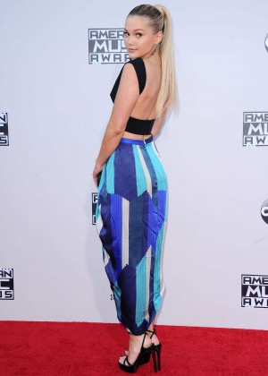 Olivia Holt - 2015 AMA American Music Awards in Los Angeles