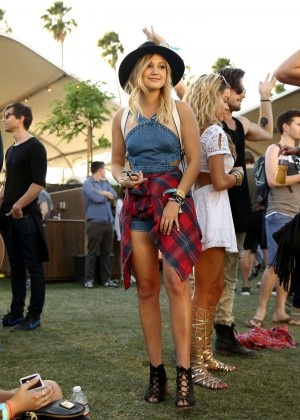 Olivia Holt - Coachella 2016 in Indio day 2
