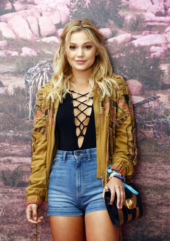 Olivia Holt - H&M Loves Coachella Pop UP in Indio