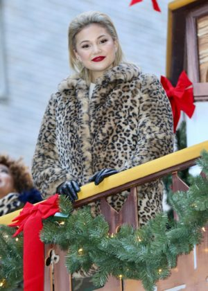 Olivia Holt - Macy's Thanksgiving Day Parade in NYC