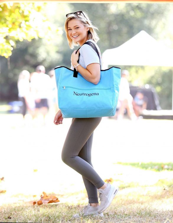 Olivia Holt 2019 : Olivia Holt – Neutrogena fundraising walk in LA-01