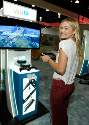 Olivia Holt: Nintendo hosts celebrities at 2015 E3 Gaming Convention -05