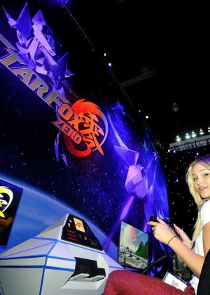 Olivia Holt: Nintendo hosts celebrities at 2015 E3 Gaming Convention -11