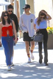 Olivia Jade and Isabella Rose Giannulli - Grab lunch together in Beverly Hills