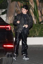 Olivia Jade - Arrive at the Sunset Towers for Jennifer Aniston Birthday in LA