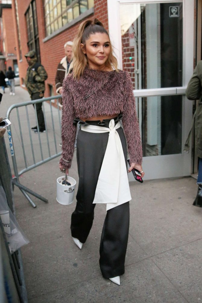 Olivia Jade - Arrives at Jonathan Simkhai Show in New York