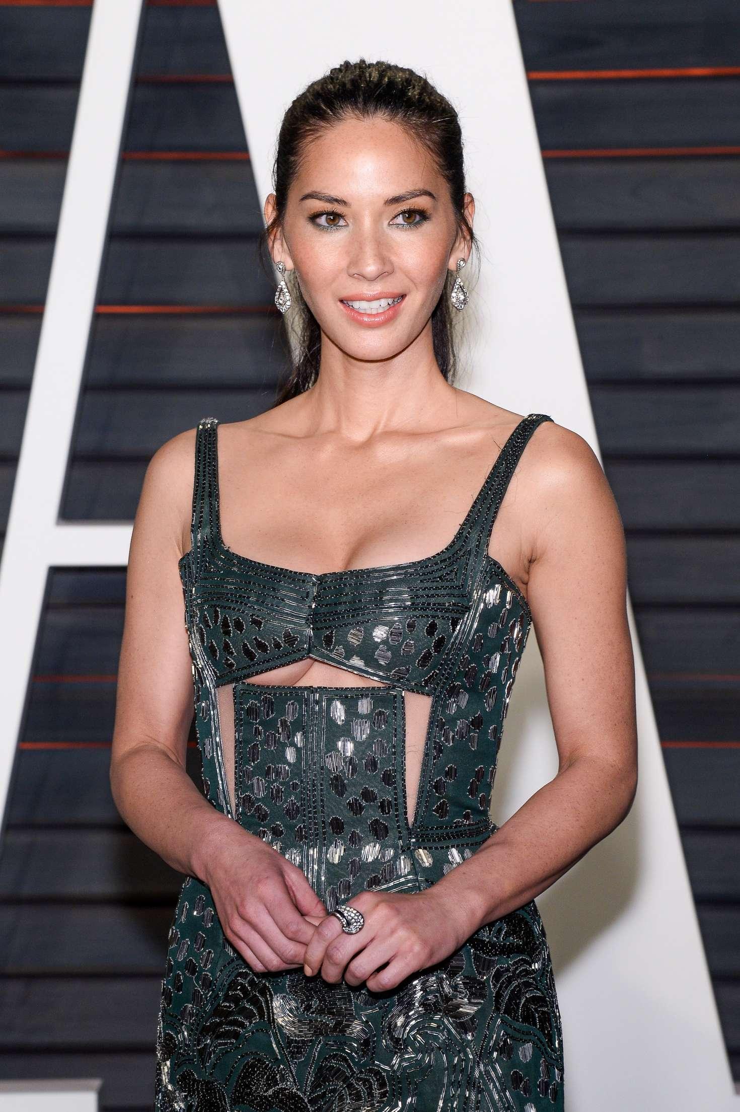 Olivia Munn - 2016 Vanity Fair Oscar Party in Beverly Hills
