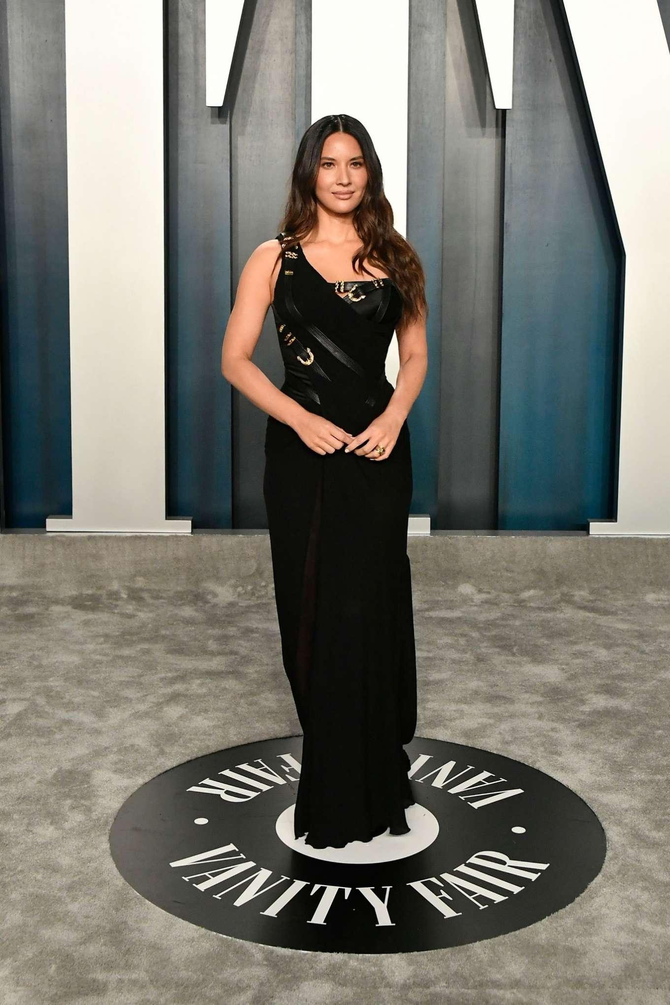 Olivia Munn 2020 : Olivia Munn – 2020 Vanity Fair Oscar Party in Beverly Hills-07