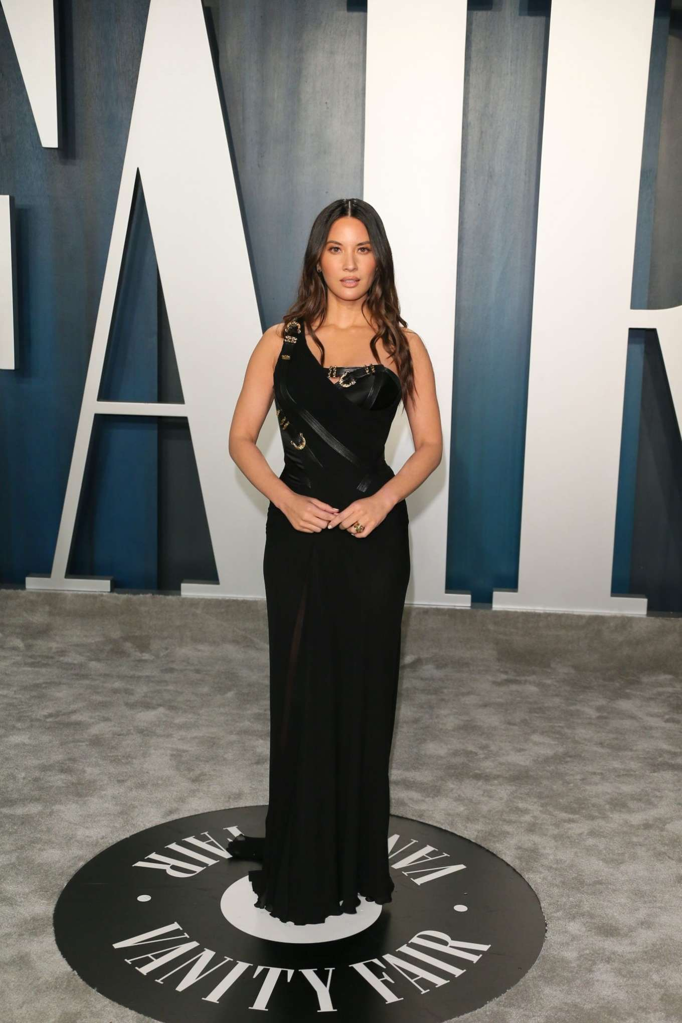 Olivia Munn 2020 : Olivia Munn – 2020 Vanity Fair Oscar Party in Beverly Hills-08