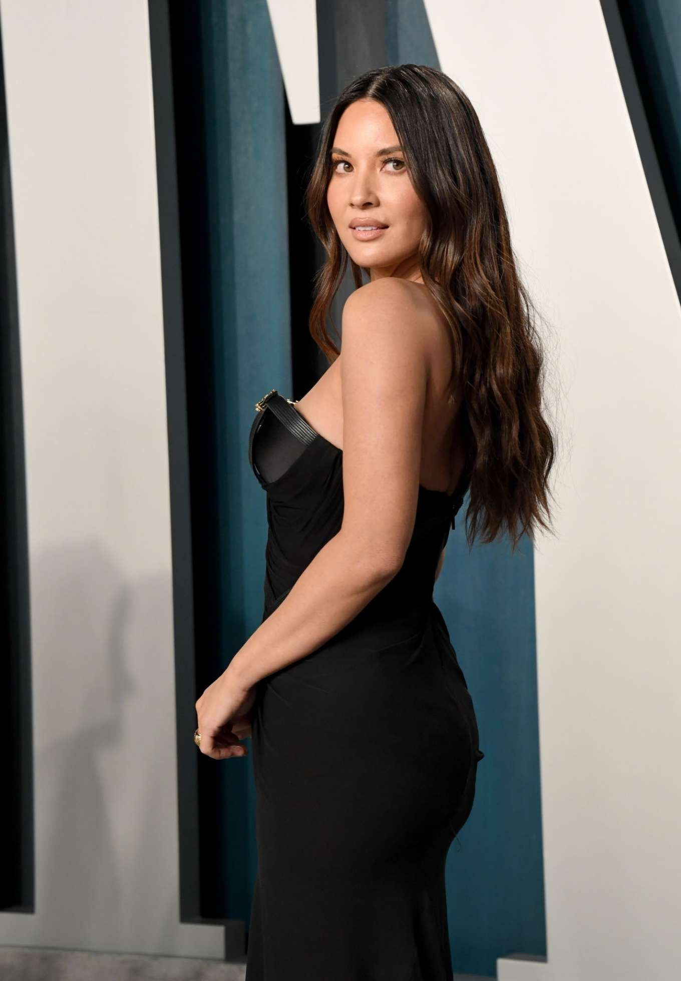 Olivia Munn 2020 : Olivia Munn – 2020 Vanity Fair Oscar Party in Beverly Hills-10