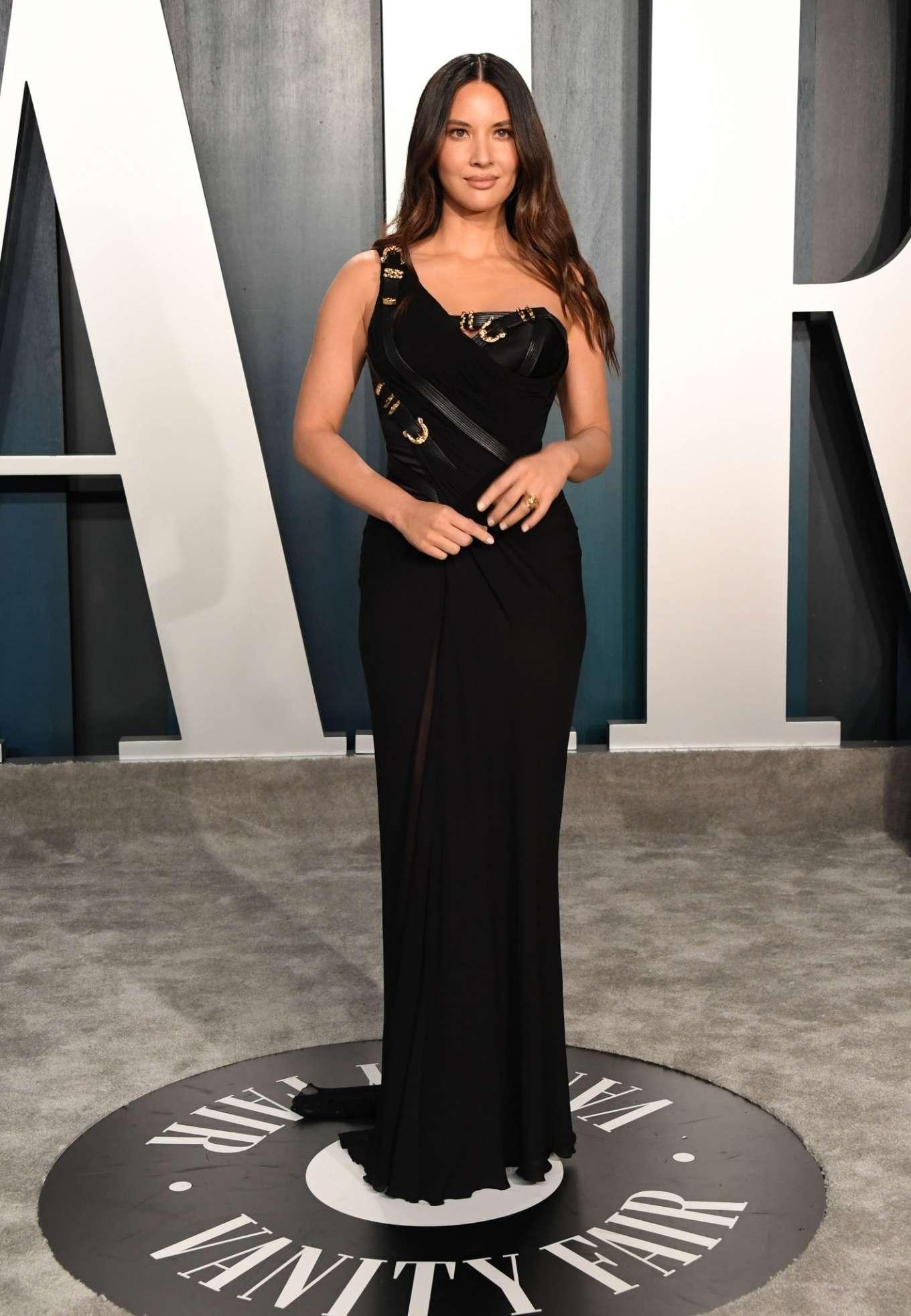 Olivia Munn 2020 : Olivia Munn – 2020 Vanity Fair Oscar Party in Beverly Hills-17