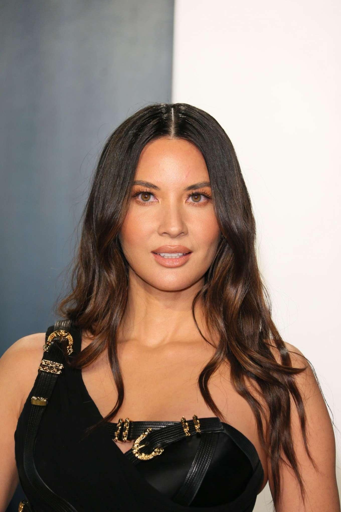 Olivia Munn 2020 : Olivia Munn – 2020 Vanity Fair Oscar Party in Beverly Hills-23