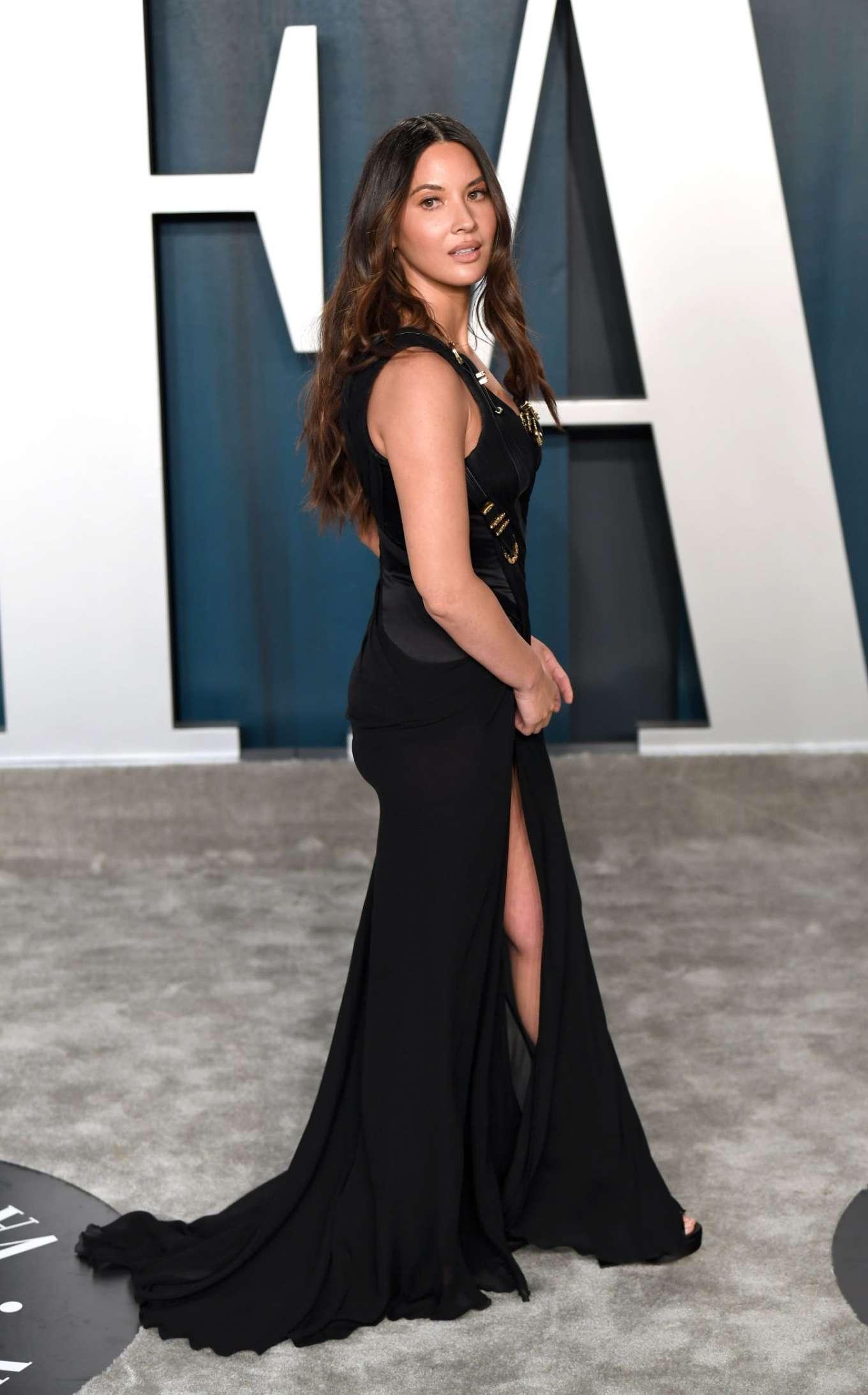Olivia Munn 2020 : Olivia Munn – 2020 Vanity Fair Oscar Party in Beverly Hills-24