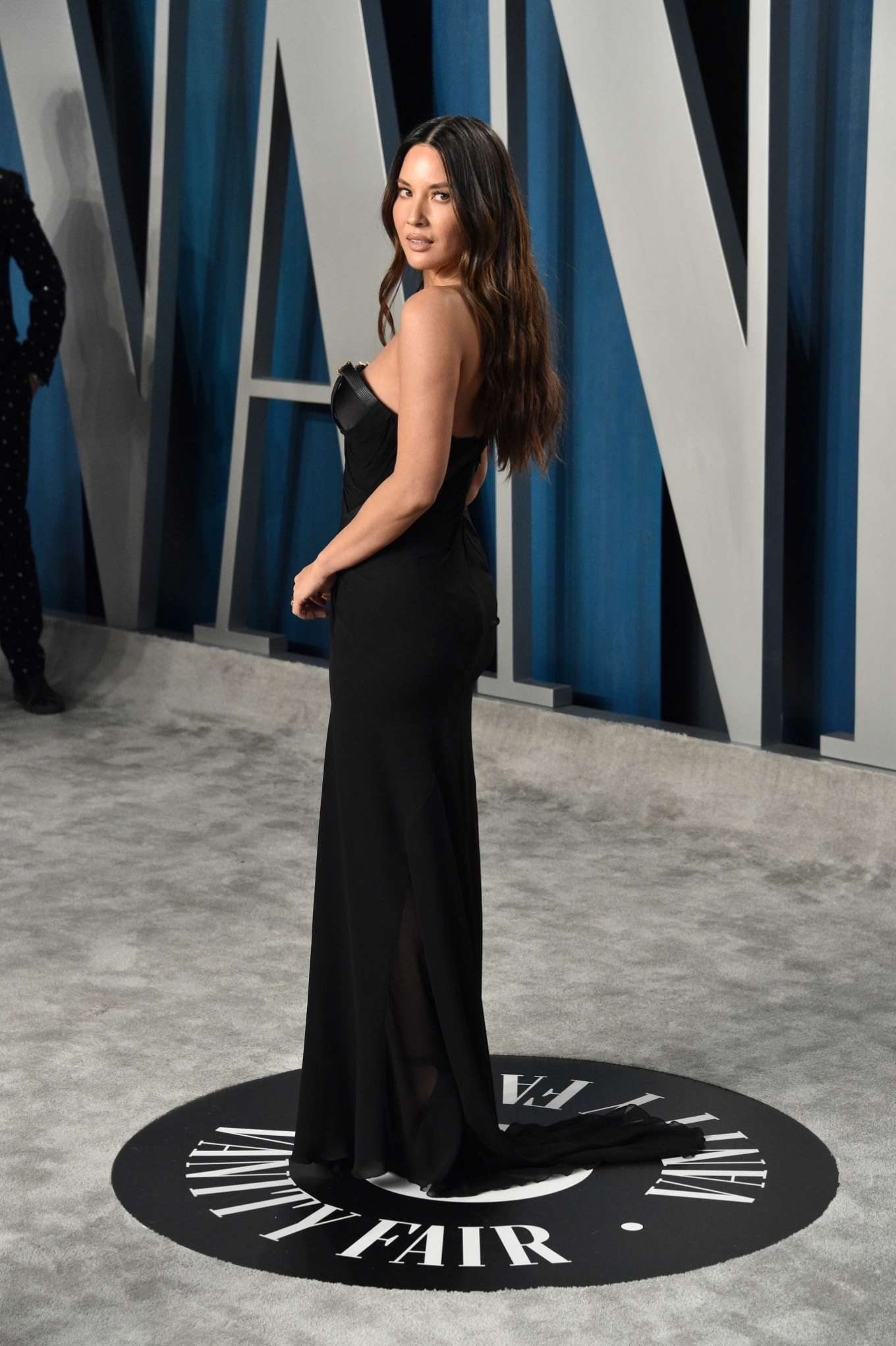 Olivia Munn 2020 : Olivia Munn – 2020 Vanity Fair Oscar Party in Beverly Hills-30
