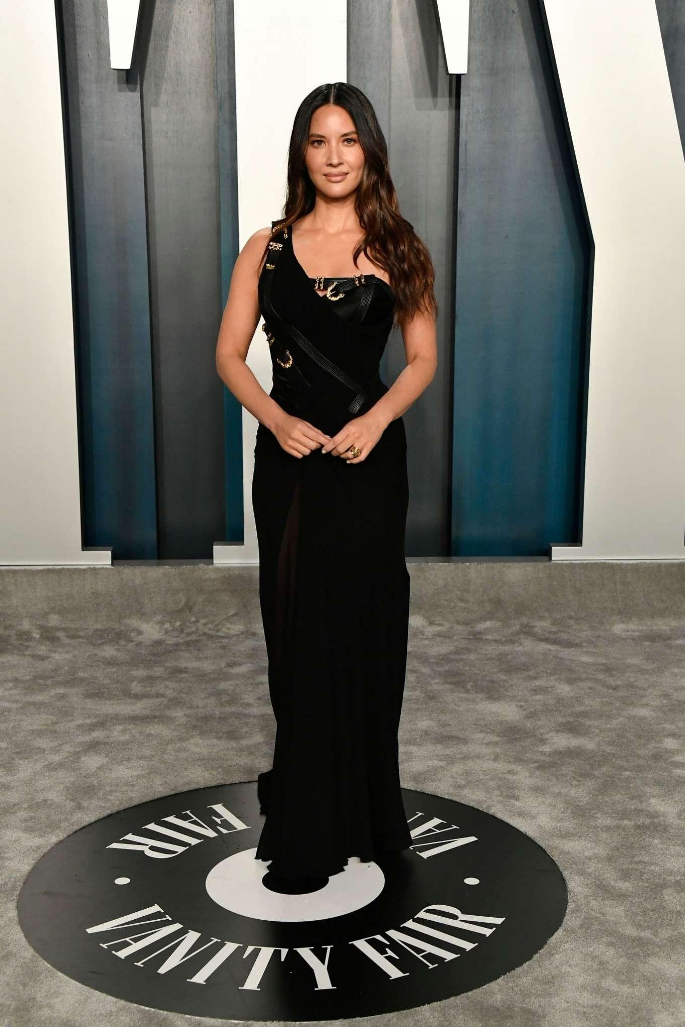 Olivia Munn 2020 : Olivia Munn – 2020 Vanity Fair Oscar Party in Beverly Hills-34