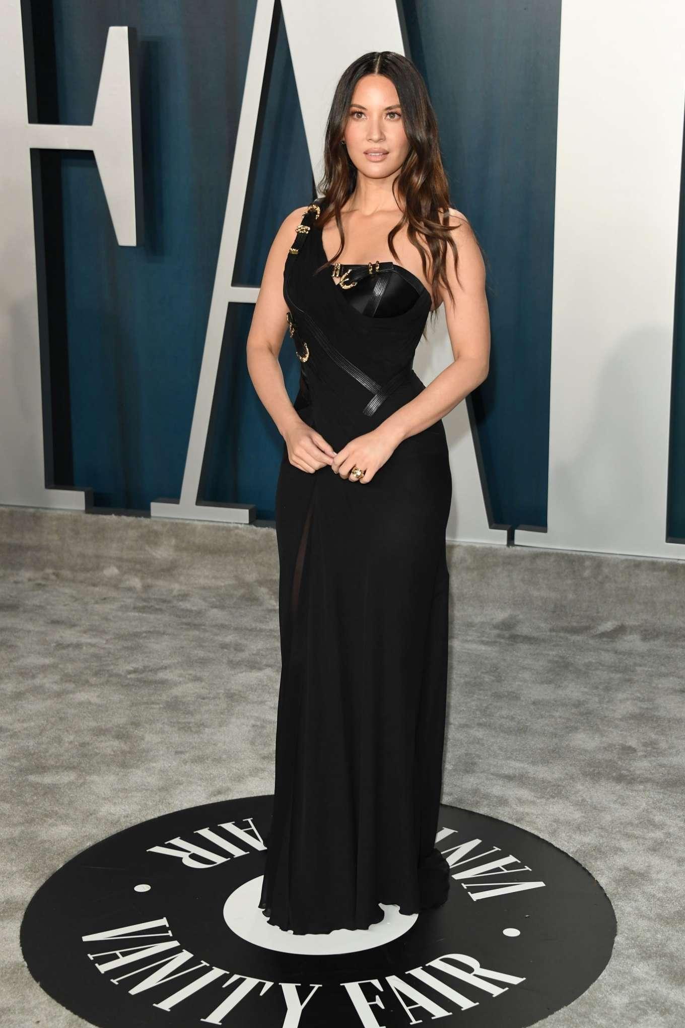 Olivia Munn 2020 : Olivia Munn – 2020 Vanity Fair Oscar Party in Beverly Hills-46