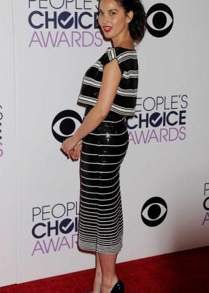 Olivia Munn: 2015 Peoples Choice Awards -04