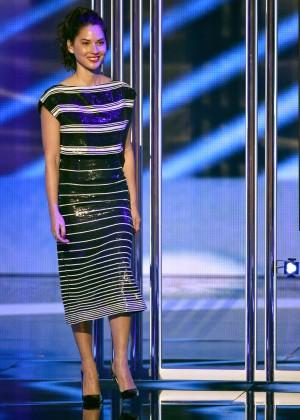 Olivia Munn: 2015 Peoples Choice Awards -22