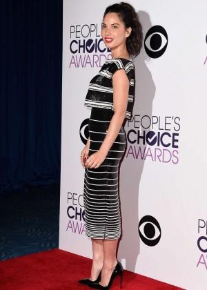 Olivia Munn: 2015 Peoples Choice Awards -24