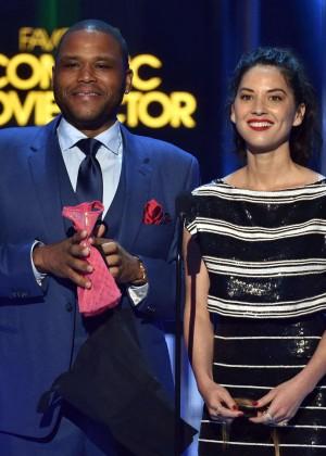Olivia Munn: 2015 Peoples Choice Awards -31