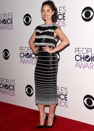 Olivia Munn: 2015 Peoples Choice Awards -47