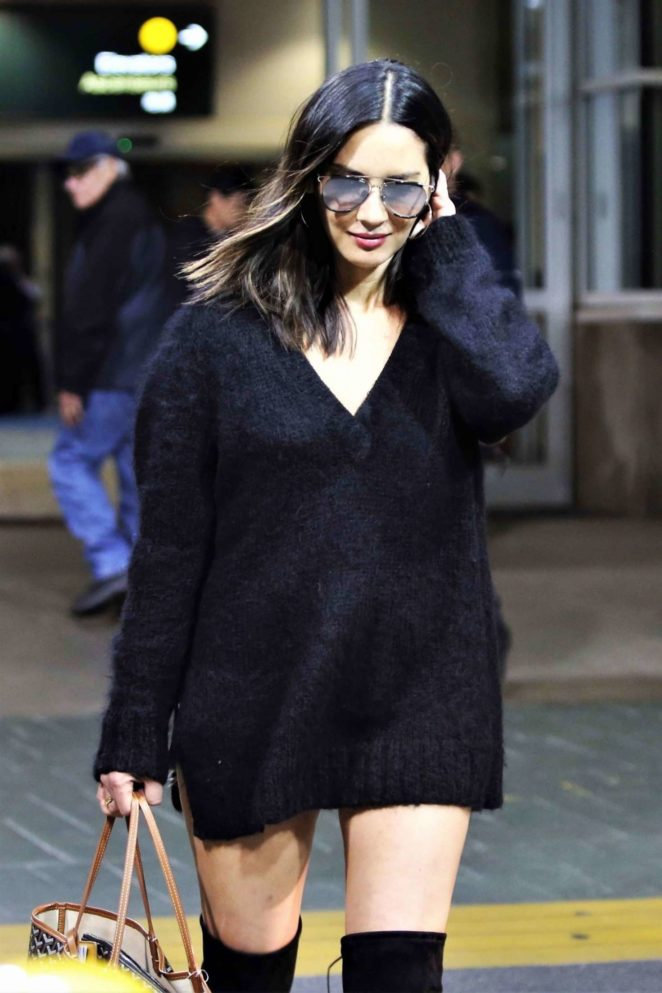 Olivia Munn at Vancouver Airport in Vancouver