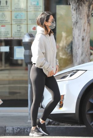 Olivia Munn - Heads to a gym for workout in West Hollywood