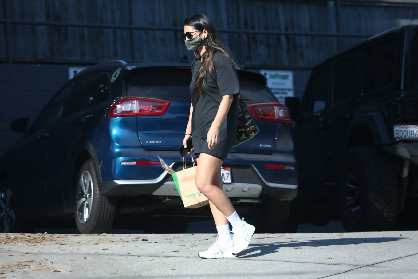 Olivia Munn 2020 : Olivia Munn – makes a stop by Healthy Spot in West Hollywood-04