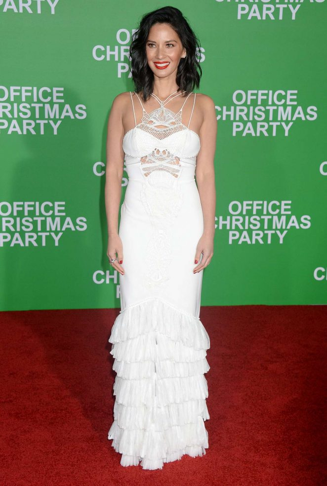 Olivia Munn - 'Office Christmas Party' Premiere in Los Angeles