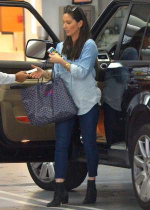Olivia Munn in Tight Jeans Out in Los Angeles