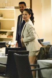 Olivia Munn - Out for dinner at Pierluigi in Rome