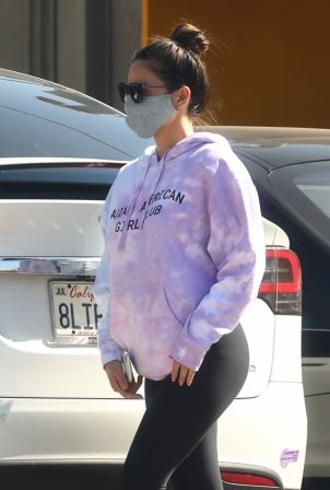Olivia Munn - Seen after gym in Los Angeles
