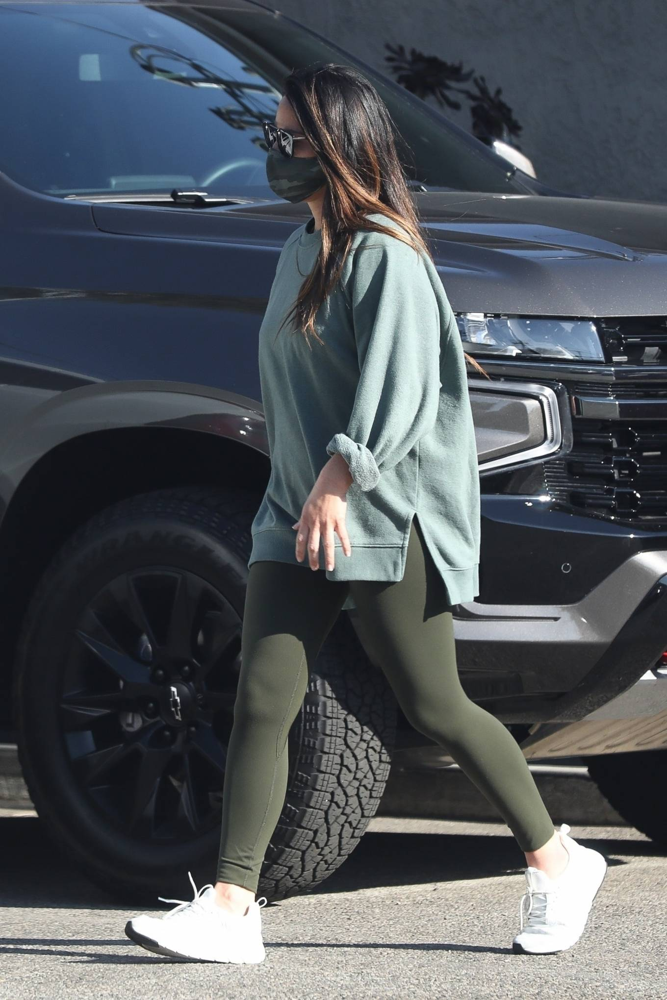 Olivia Munn - seen at the gym in Los Angeles
