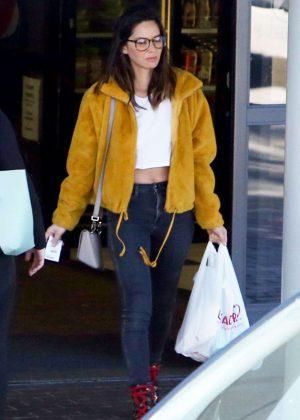 Olivia Munn - Shopping in Los Angeles