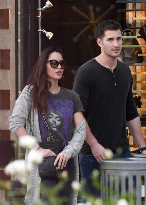 Olivia Munn with boyfriend - Shopping in Los Angeles