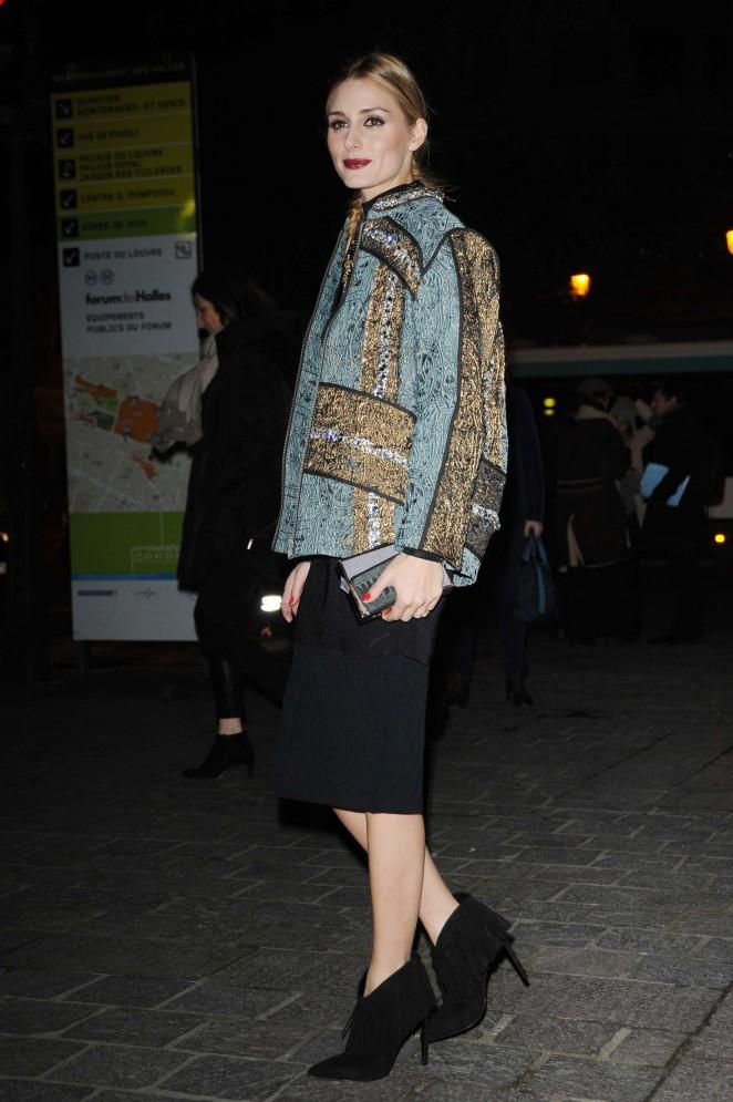 Olivia Palermo - Arives at H&M Fashion Show 2016 in Paris