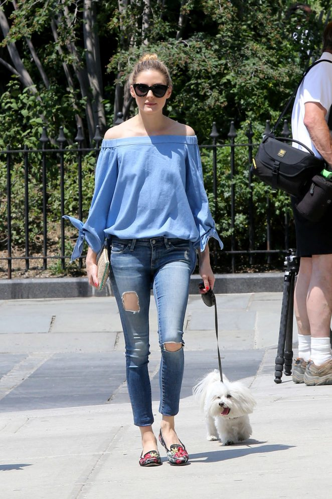 Olivia Palermo in Ripped Jeans -02
