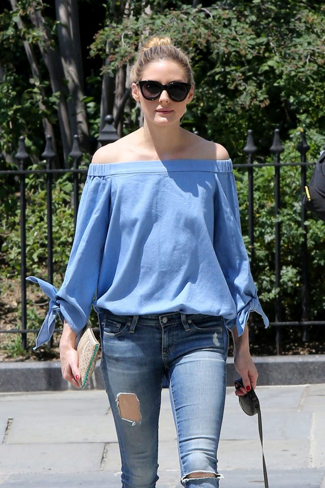 Olivia Palermo in Ripped Jeans -04