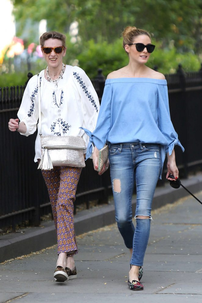 Olivia Palermo in Ripped Jeans -18